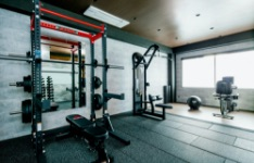 スタイリッシュなトレーニングルーム